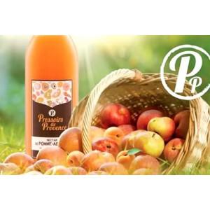 Pressoirs de Provence compte plus de 40 références. Une gamme d'abord composée de jus et nectars issus des fruits et légumes frais de sa région, puis enrichit de fruits, légumes et baies d'origines plus lointaines.