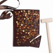 Plaque à casser chocolat noir avec maillet 450gr, noisettes / pistaches / raisins